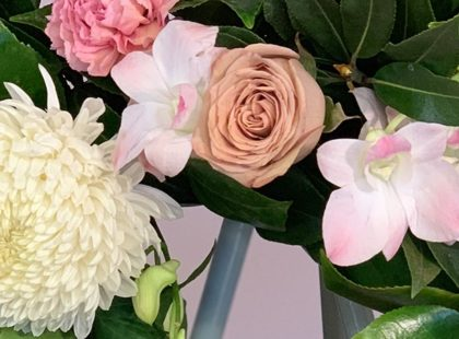The ultimate guide to organising funeral flowers